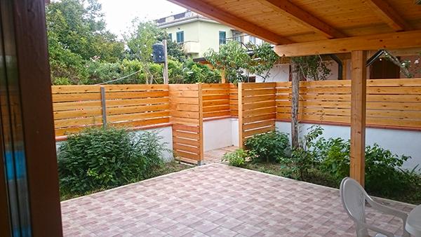 Doccia giardino brico colonne doccia da giardino piscina for Colonne da giardino